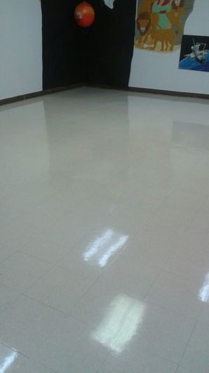 Commercial Floor Stripping & Waxing in Pompano Beach, FL (3)
