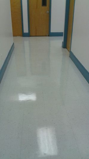 Commercial Floor Stripping & Waxing in Pompano Beach, FL (4)