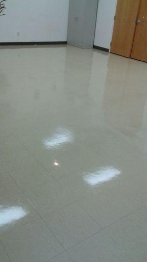 Commercial Floor Stripping & Waxing in Pompano Beach, FL (5)