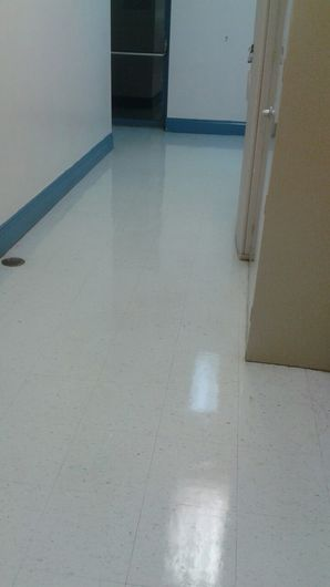 Commercial Floor Stripping & Waxing in Pompano Beach, FL (6)