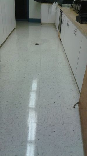 Commercial Floor Stripping & Waxing in Pompano Beach, FL (8)
