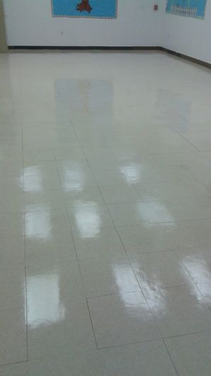 Commercial Floor Stripping & Waxing in Pompano Beach, FL (9)