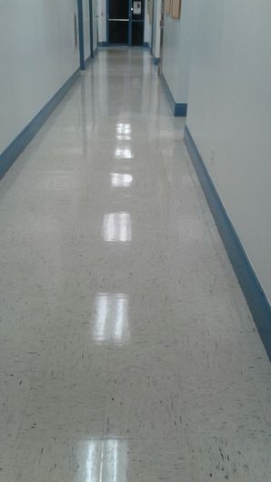 Commercial Floor Stripping & Waxing in Pompano Beach, FL (10)
