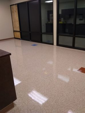 Office cleaning in Coral Springs FL by Glow Cleaning Plus LLC